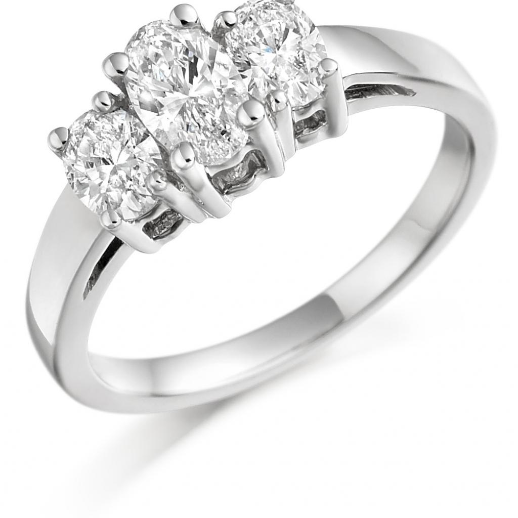 242f1b12092b4 Oval diamond claw-set graduated 3 stone ring